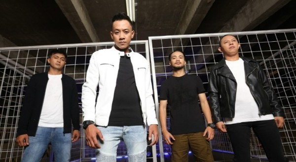 Single Merelakanmu, Debut K13N di Industri Musik