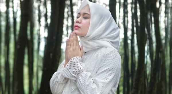 Berkah Lagu Aisyah Istri Rasulullah, Anisa Rahman Meraup 20 Juta Viewers Dalam 2 Minggu